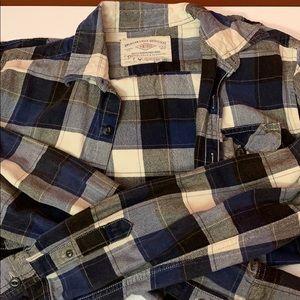 American Eagle button down flannel